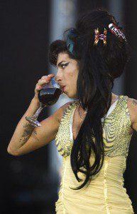 Amy-Winehouse-vida-y-muerte-3-387x600