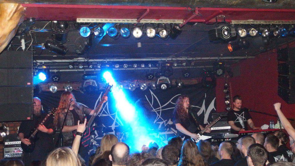 El final del concierto de Borknagar