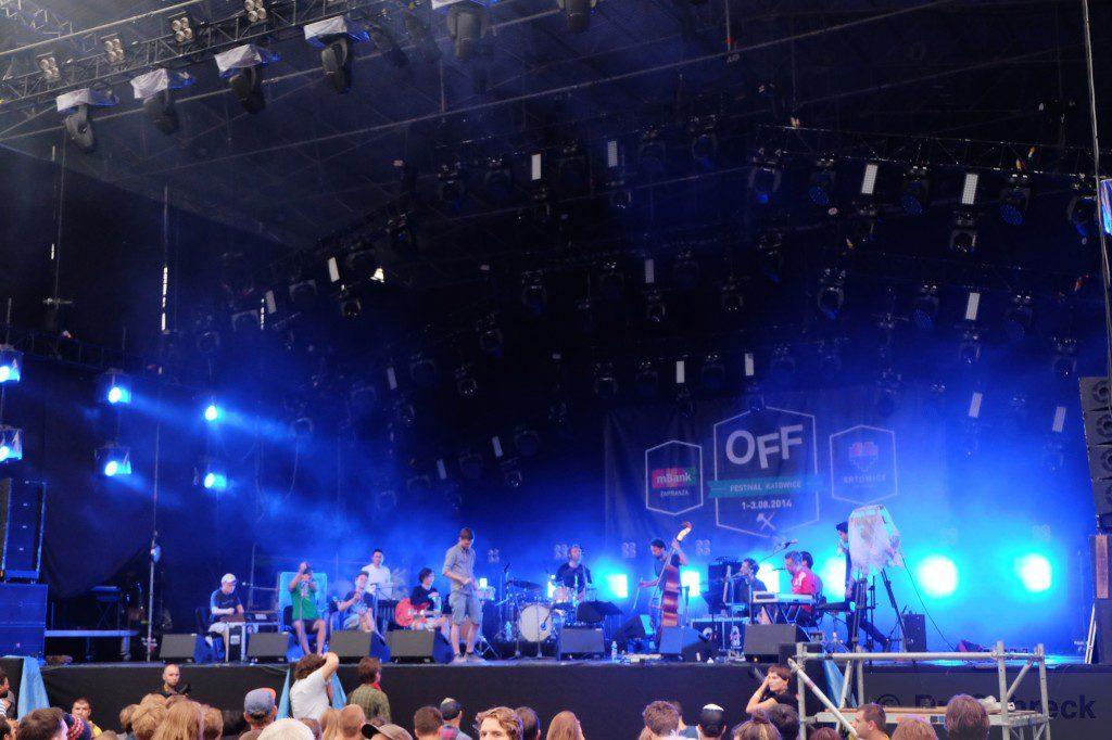 La Orcquesta tocando el disco de Beck